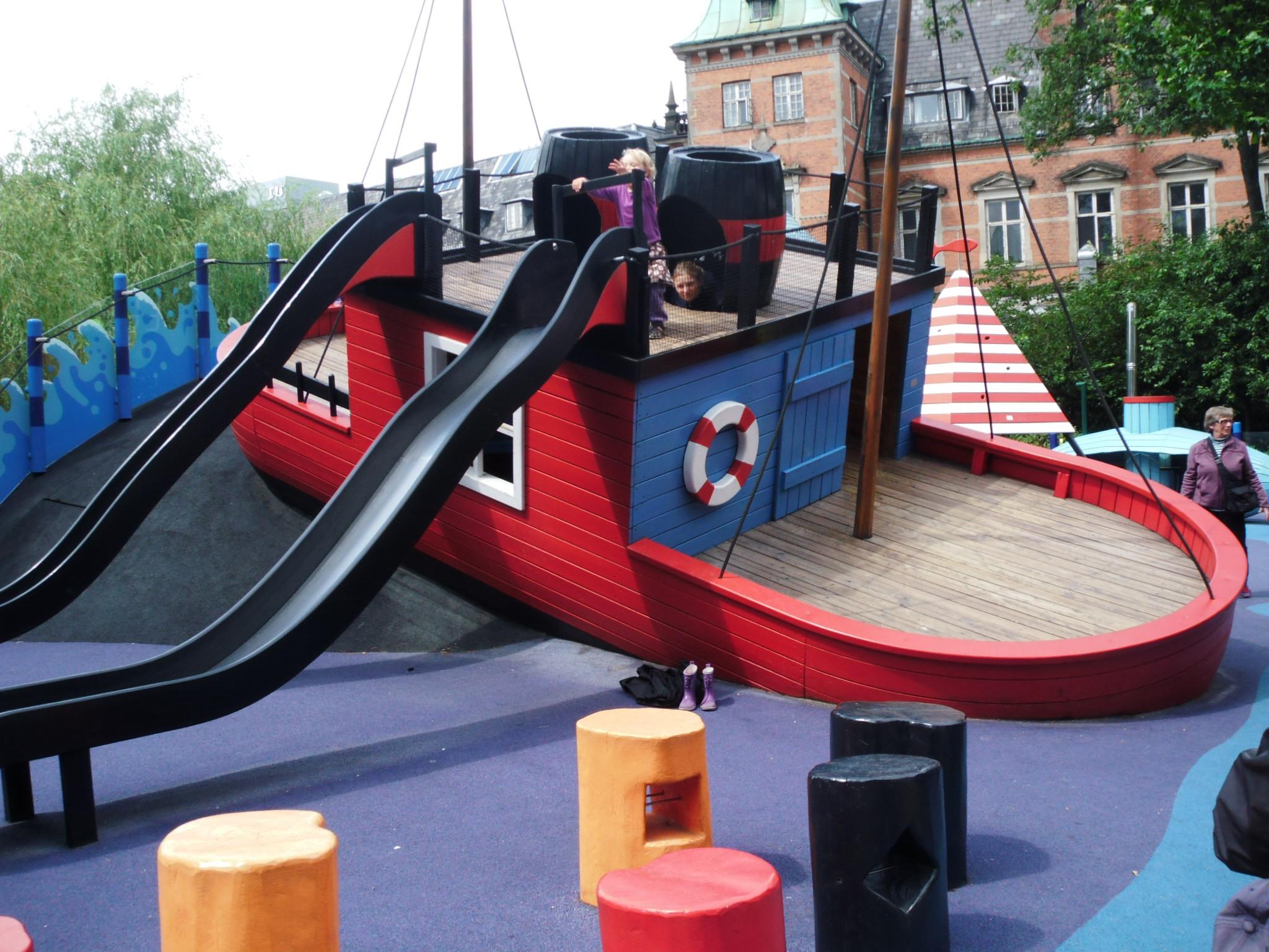 Colori ed emozioni al Parco Tivoli di Copenaghen