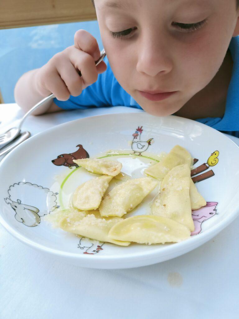 piatti per bambini al taser alm